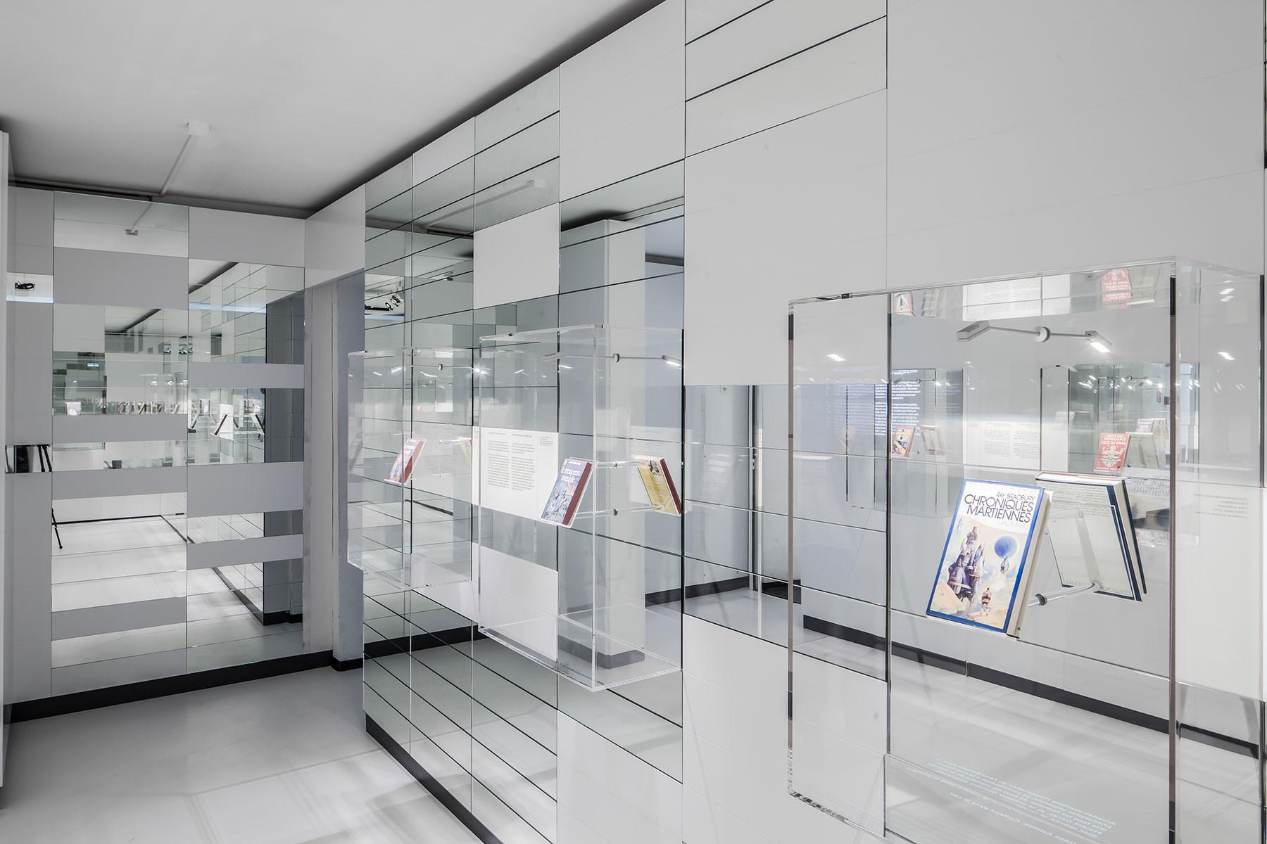Vitrines en verre acrylique